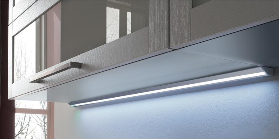 Barre a led per i sottopensili della cucina prometeo electronics - Lampade a led per cucina ...